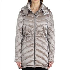 Badgley Mischka Taupe Quilted Anorak. Size Large